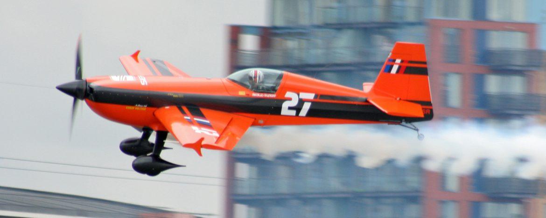 Nicholas_Ivanoff_Red_Bull_Air_Race_London_2008_(3)